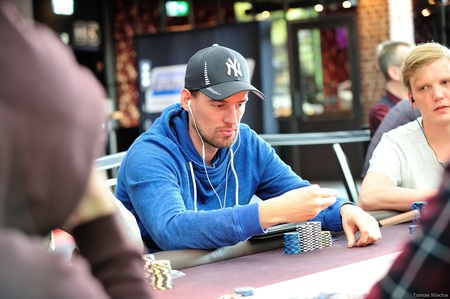 2016.30.9 Eureka Poker Tour ^ Hamburg main event day 2 Tobias Peters Tomas Stacha_31STA_4583.jpg
