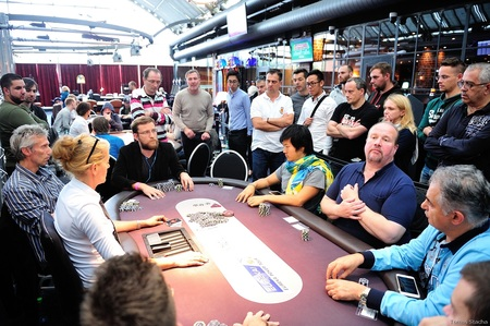 2016.30.9 Eureka Poker Tour ^ Hamburg main event day 2 Gareth Mccord Chantler buble boy Tomas Stacha_12STA_4724.jpg